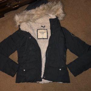 Abercrombie & Fitch winter puff jacket w. Fur hood